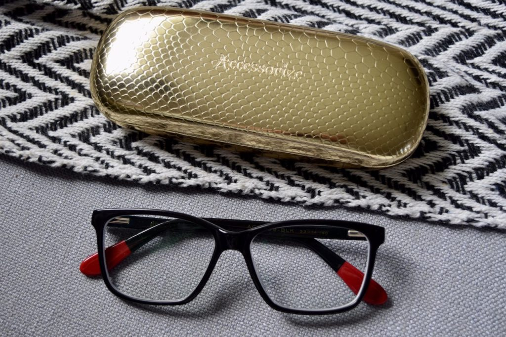 accessorize glasses black frames
