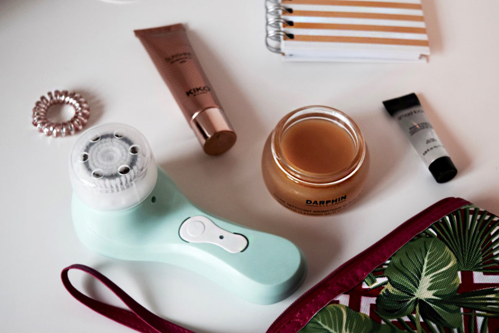 magnitone barefaced cleansing brush